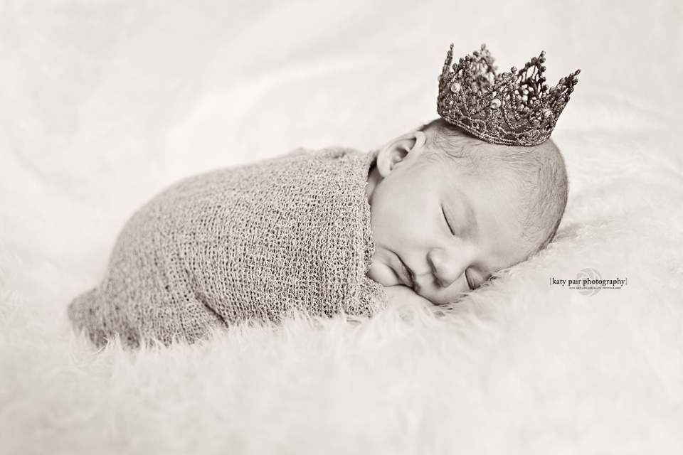 2013, 6-7 Leah Noel Johnson newborn-60bw